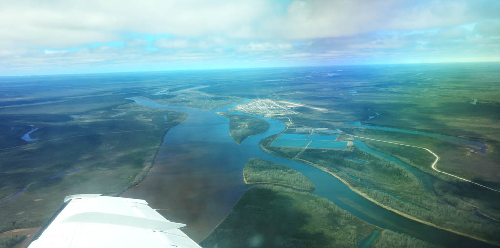 An aerial view of the Attawapiskat River community.