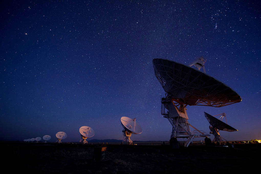The Very Large Array, an astronomicla radio observatory in New Mexico. Do they look like giant ears to you? (Malcolm Park photo from Star*Men web site.