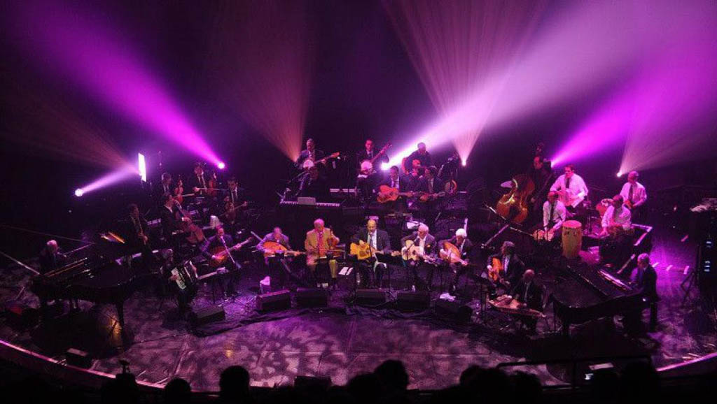 Chaabi orchestra El Gusto in concert.