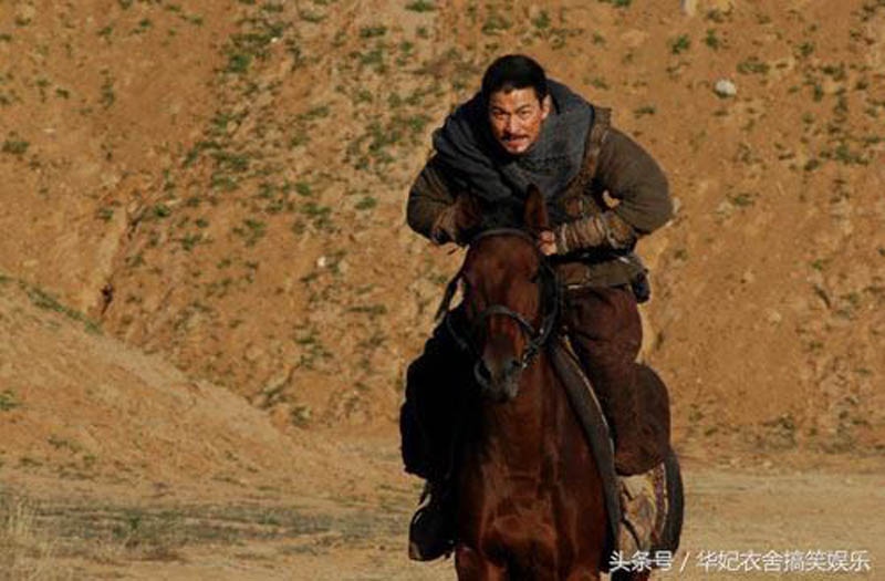 Andy Lau rides a horse in the 2007 Film The Warlords.